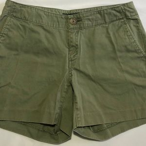 Banana Republic Olive Green Shorts - Size 4